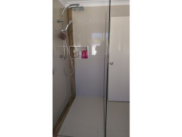 wet area shower no door